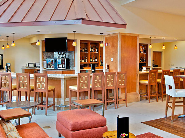 Dining and bar area at the Anchorage Marriott