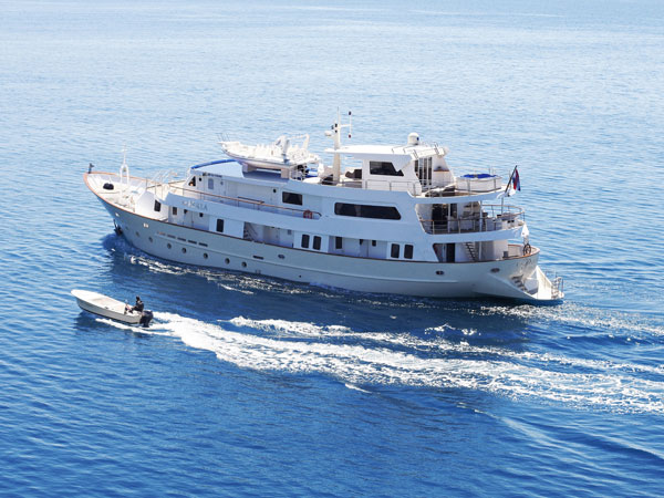 Adriatic cruises small ships for Small cruise ship lines